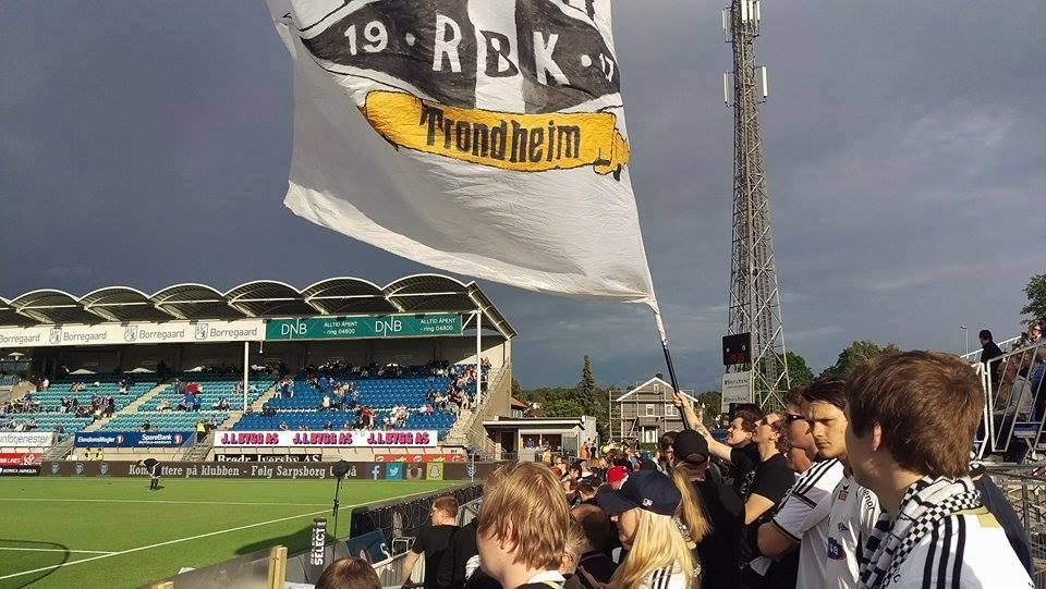 Bortefeltet på Sarpsborg stadion, 21. juni 2015.