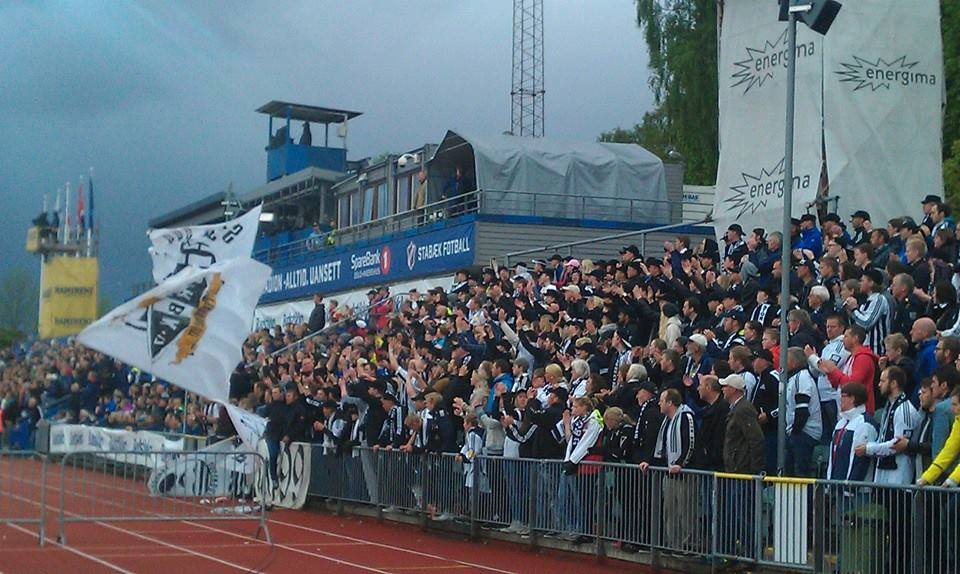 Bortefeltet på Nadderud stadion, 25. mai 2015.